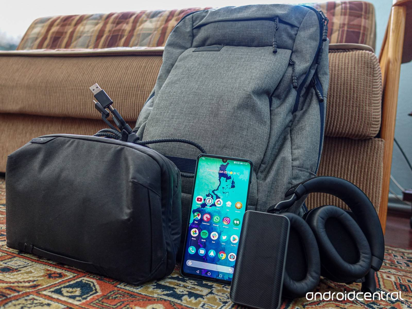 polaricicle's Setup - Essential gadgets collection for Europe trip | Scooget
