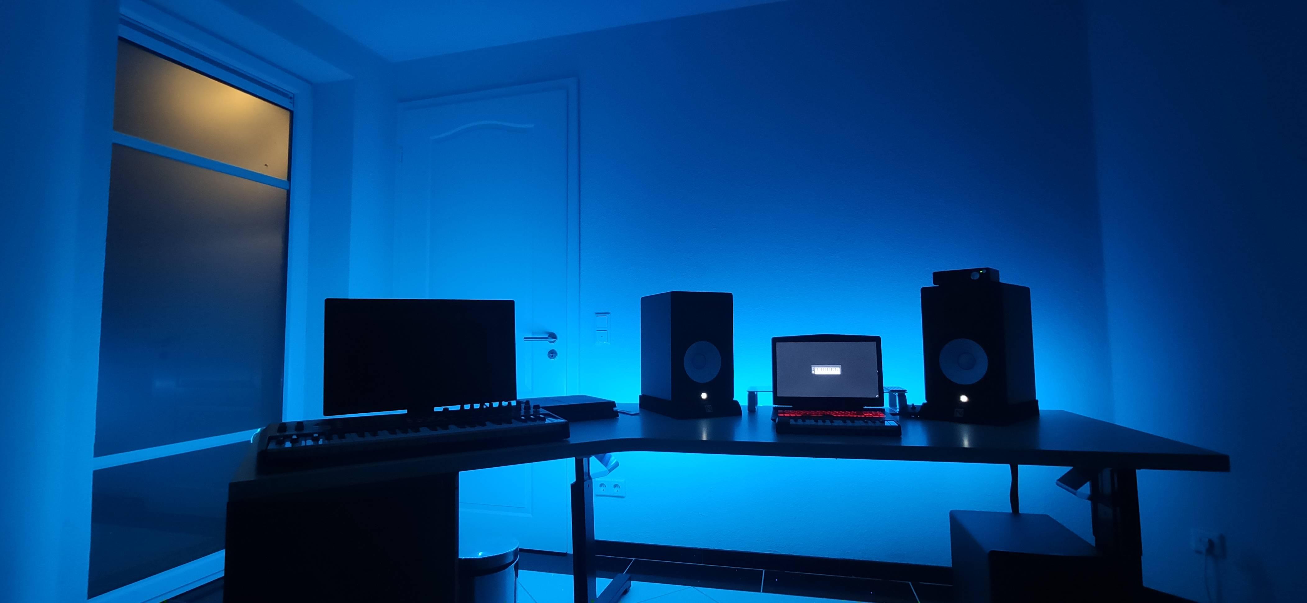 beattzcracker's Setup - Music Production Cave | Scooget