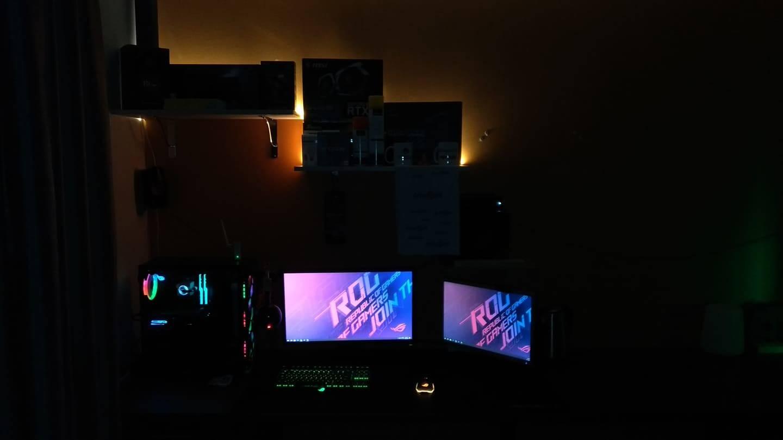 henrijrvoja's Setup - Colourful Gaming Setup | Scooget