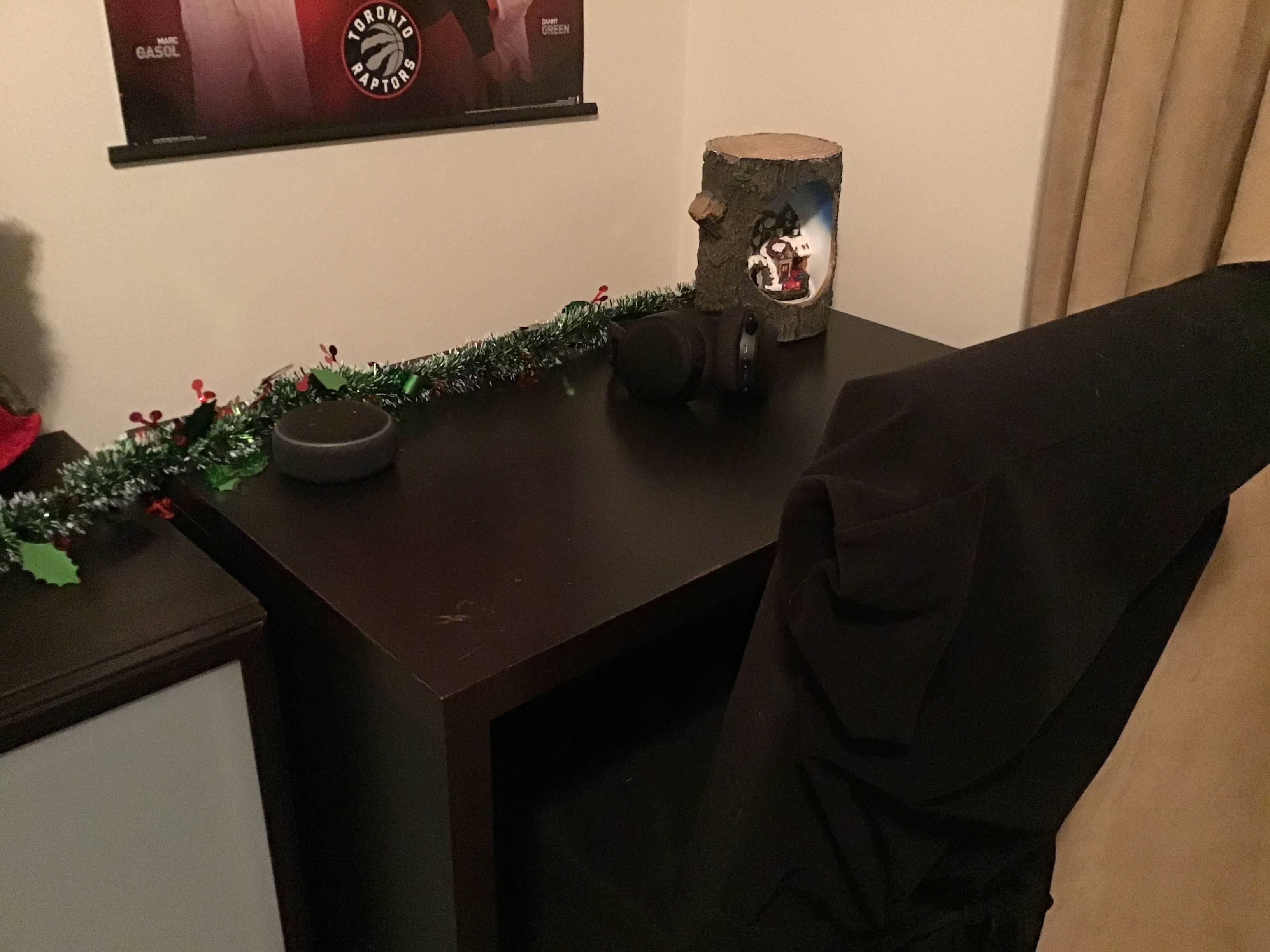Ethan18's Setup - Home work desk space    Scooget