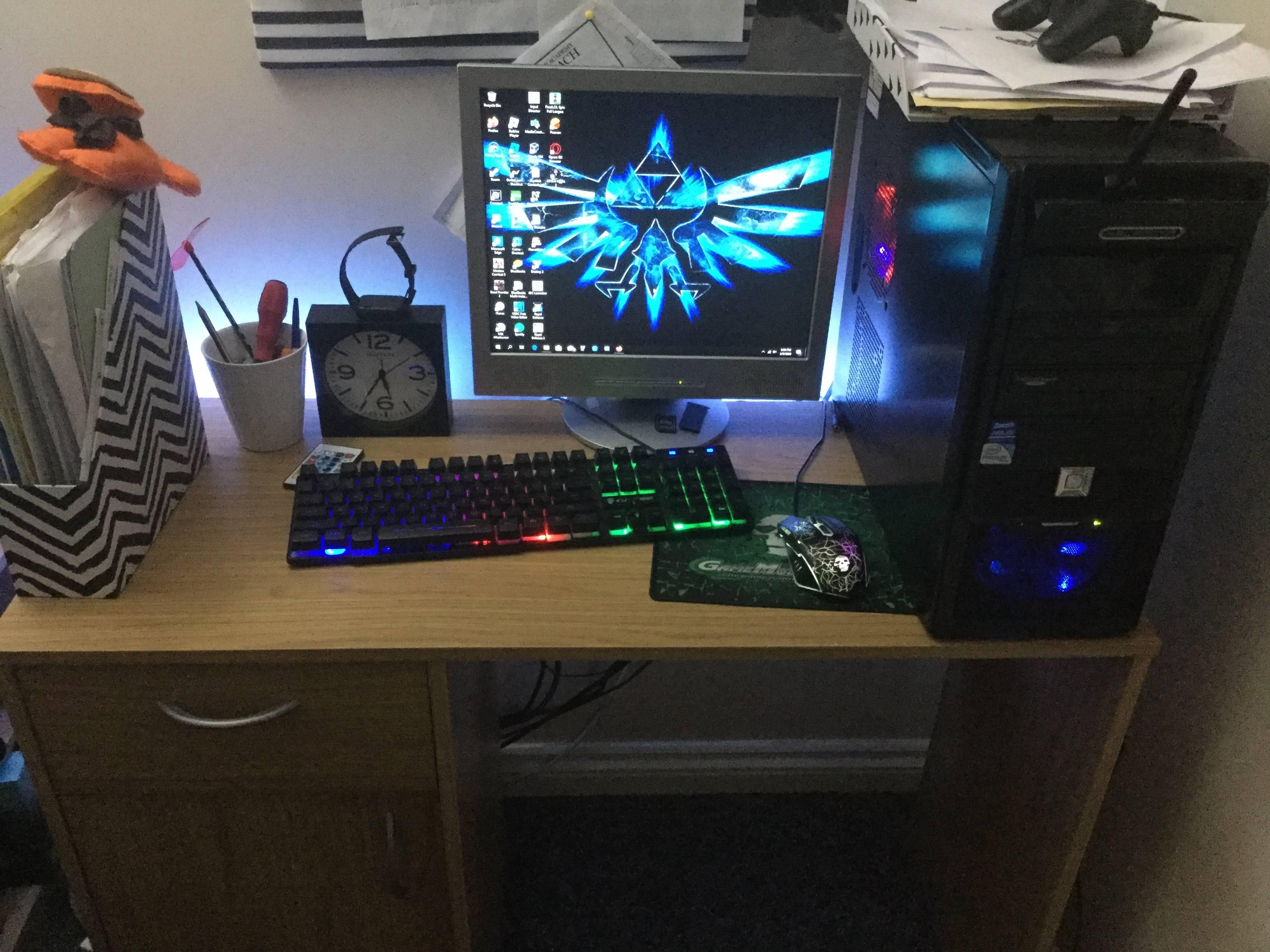D4rkDreams's Setup - Budget setup   Scooget