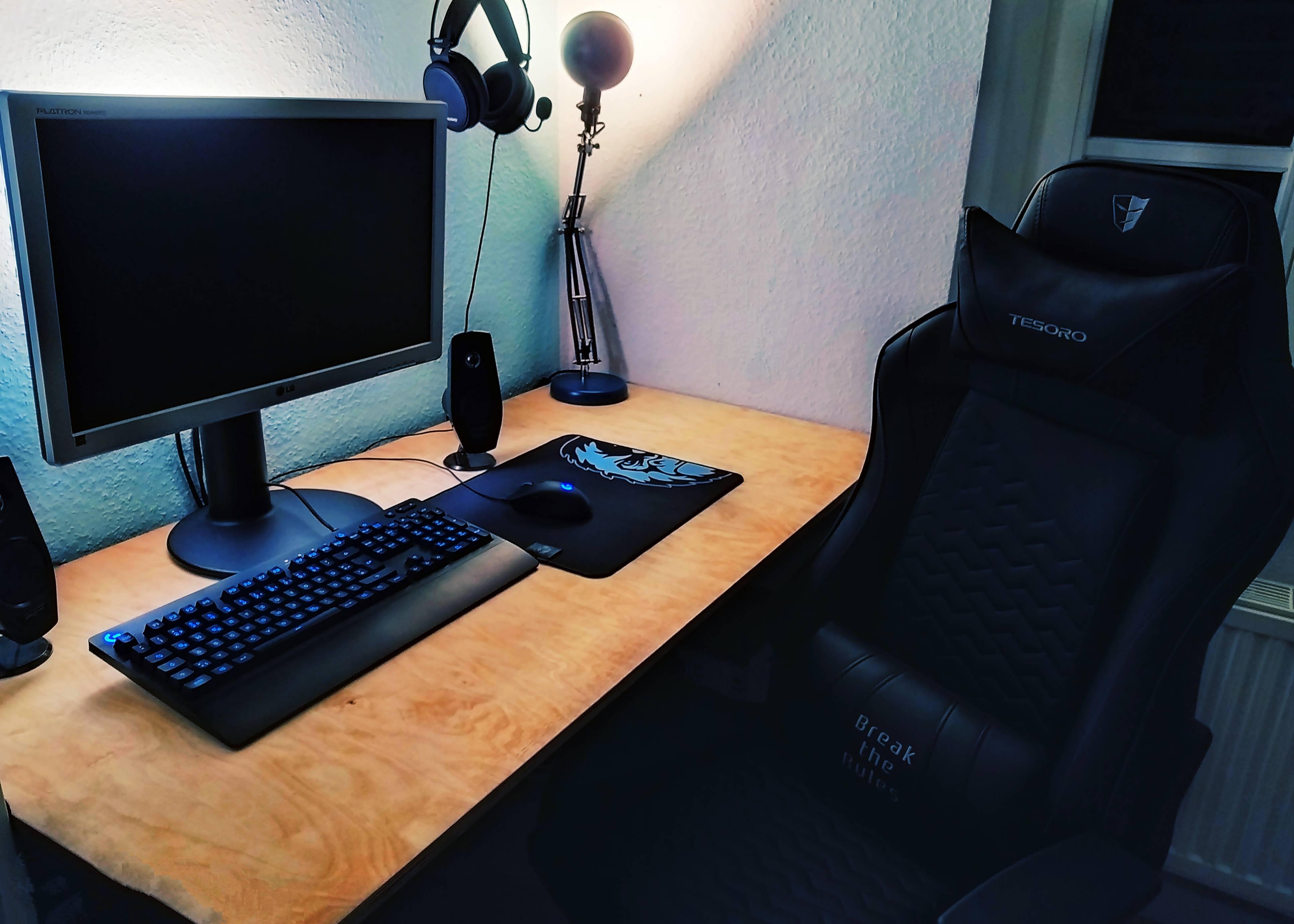 Cylonx's Setup - Budget Work and Gaming Setup   Scooget