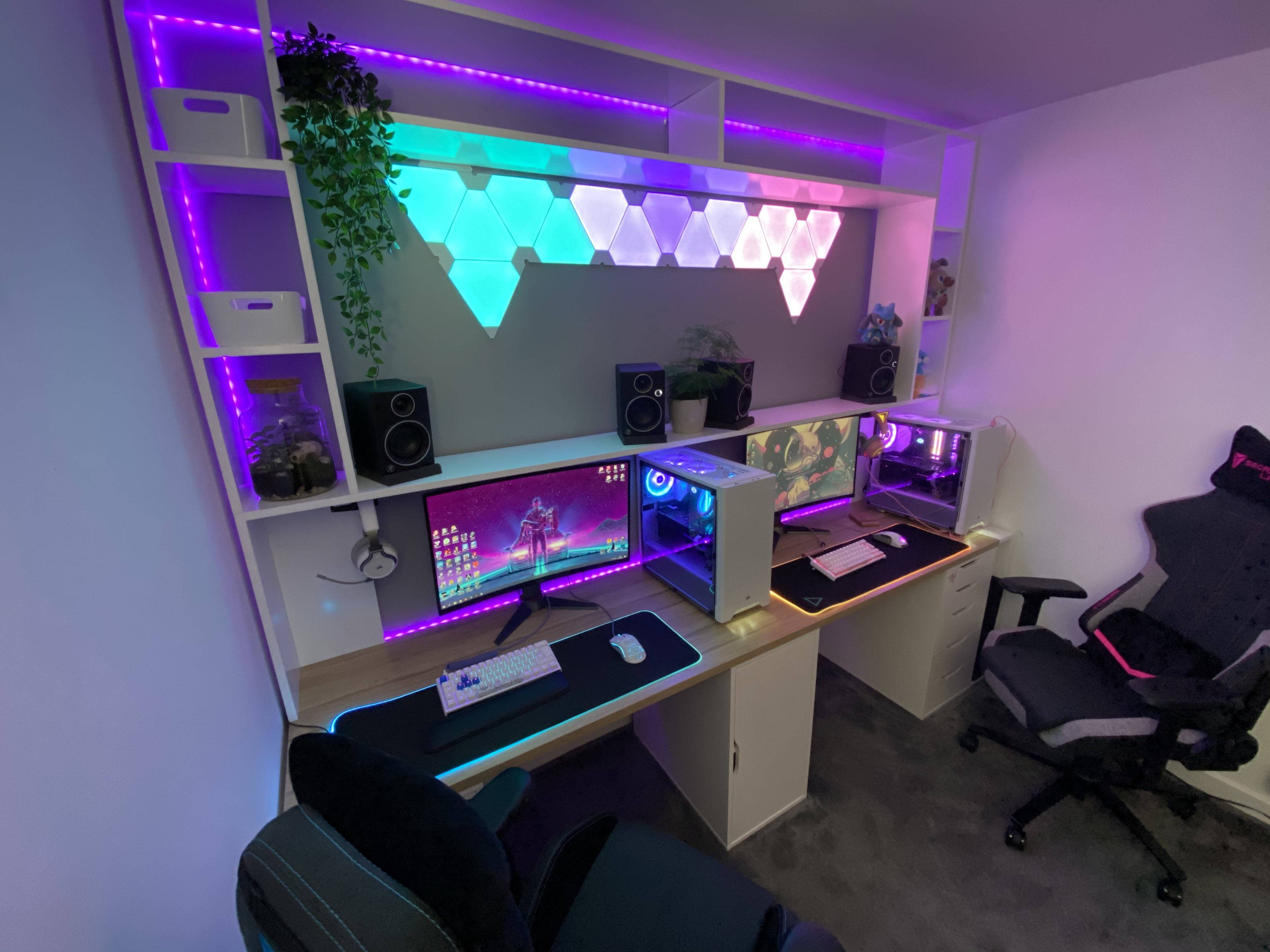 TheGamingSynths's Setup - Aesthetic His And Her Gaming Setup | Scooget