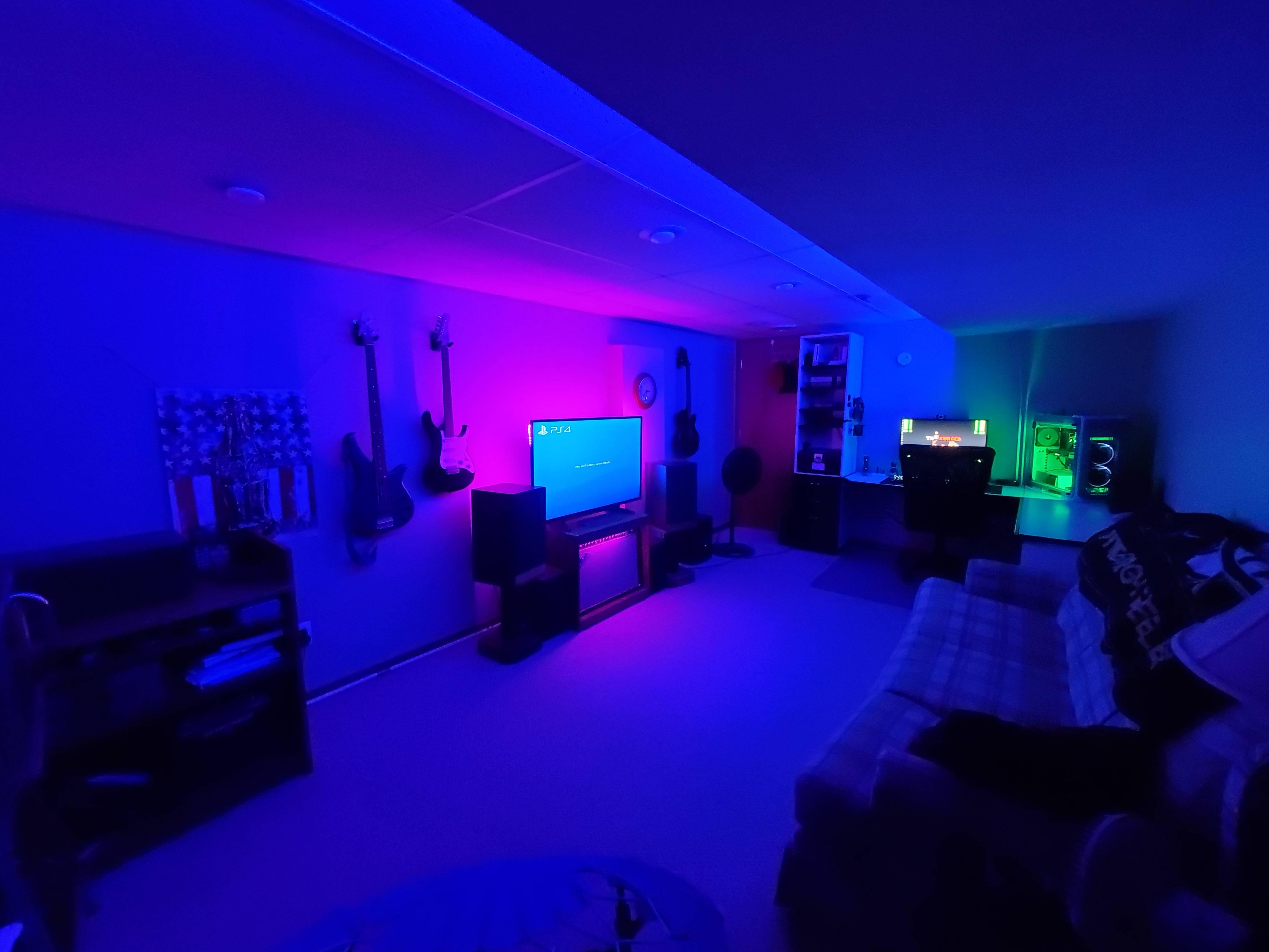 TheSurged's Setup - The Lounge | Scooget