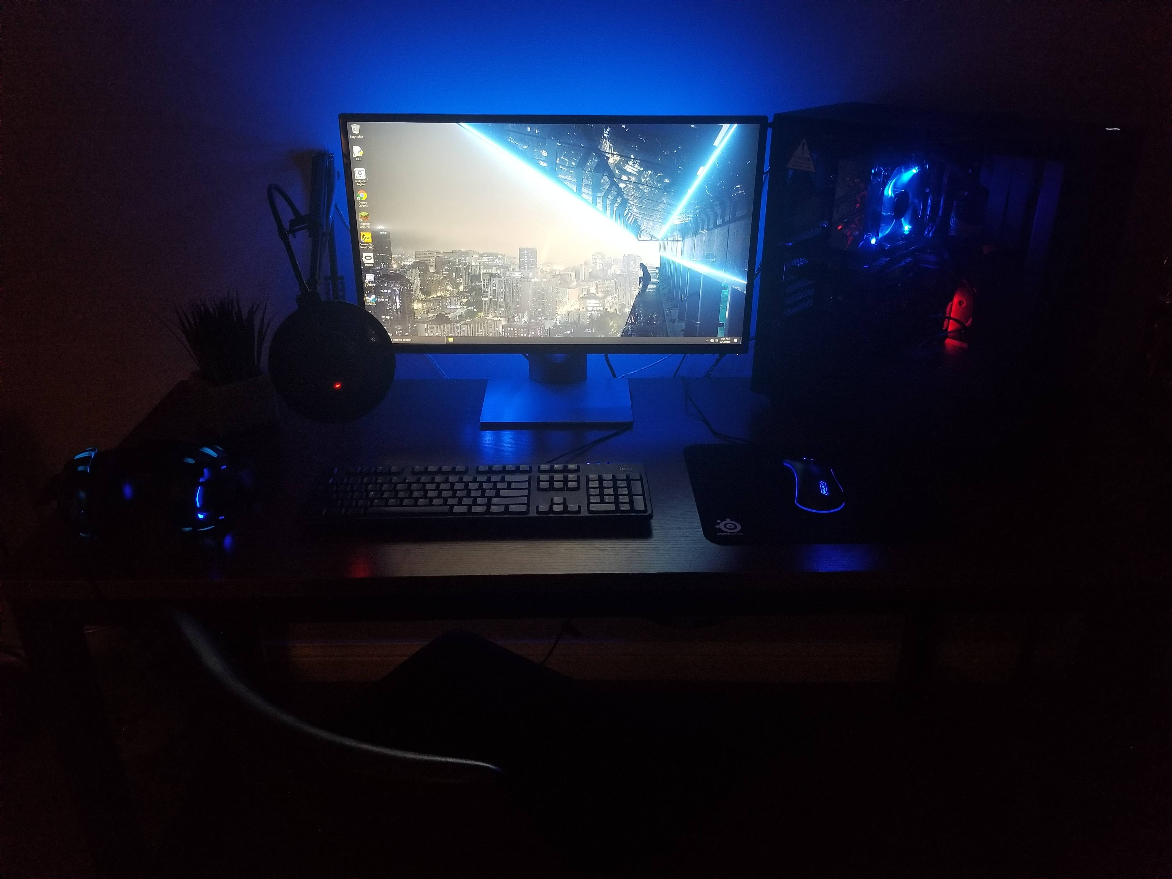 Mitchellsmy8's Setup - Simple Blue Gaming Setup | Scooget