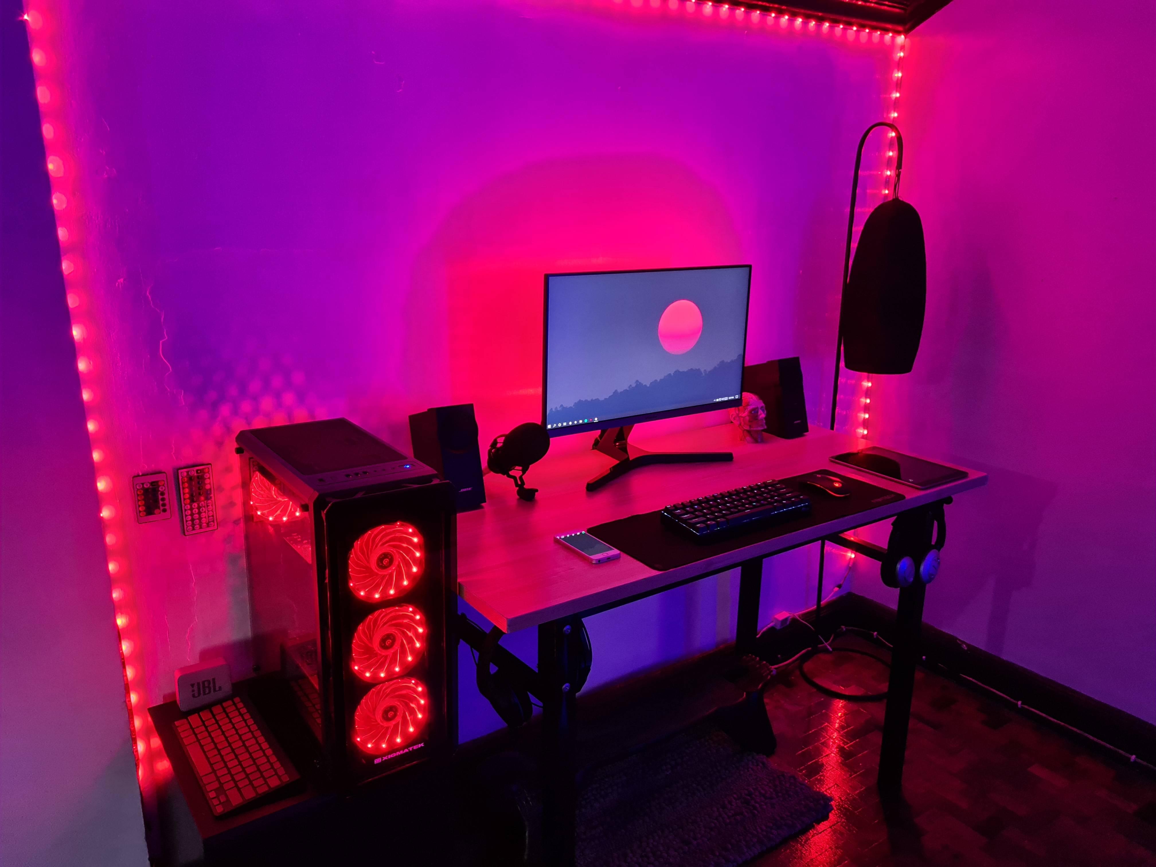 eminforcadela's Setup - Vice City Themed Setup   Scooget