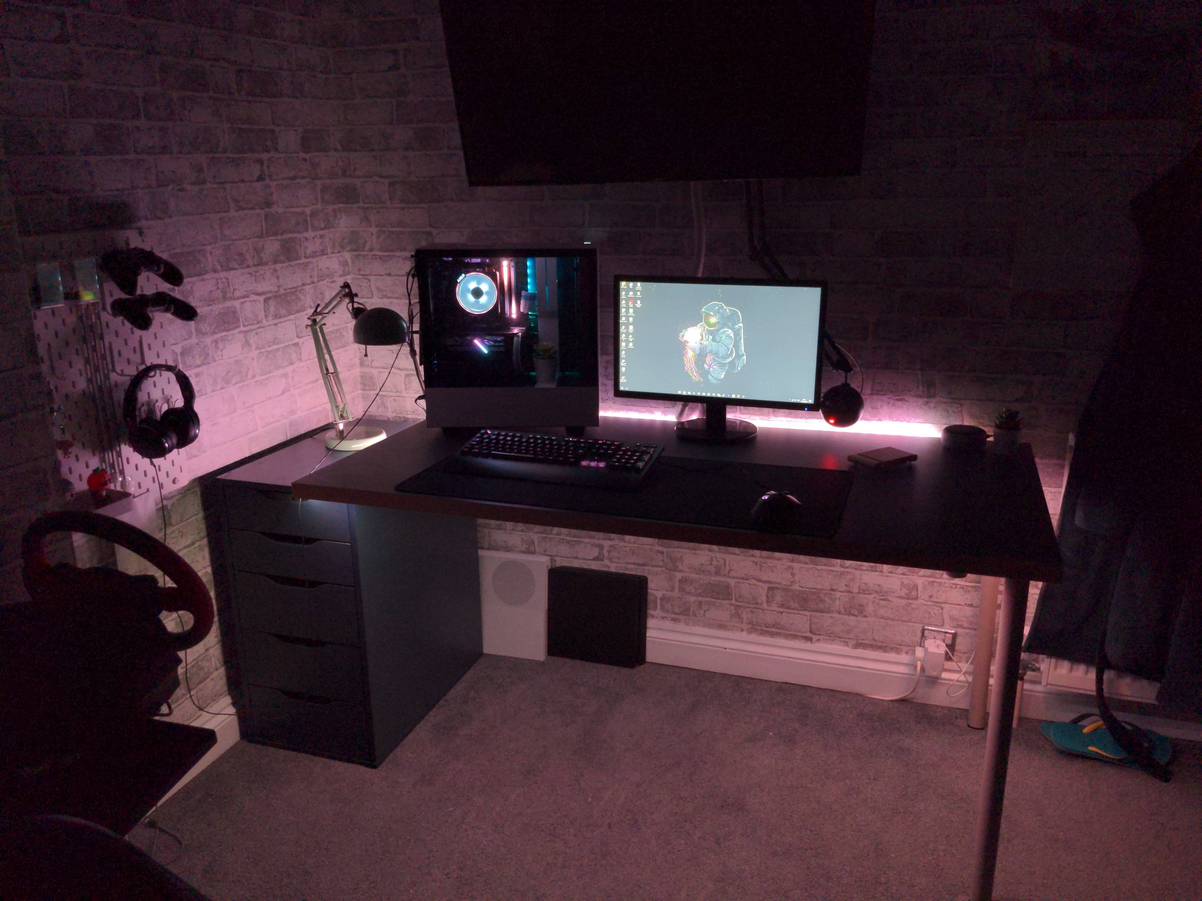 ZakStar616's Setup - Pc setup and console | Scooget
