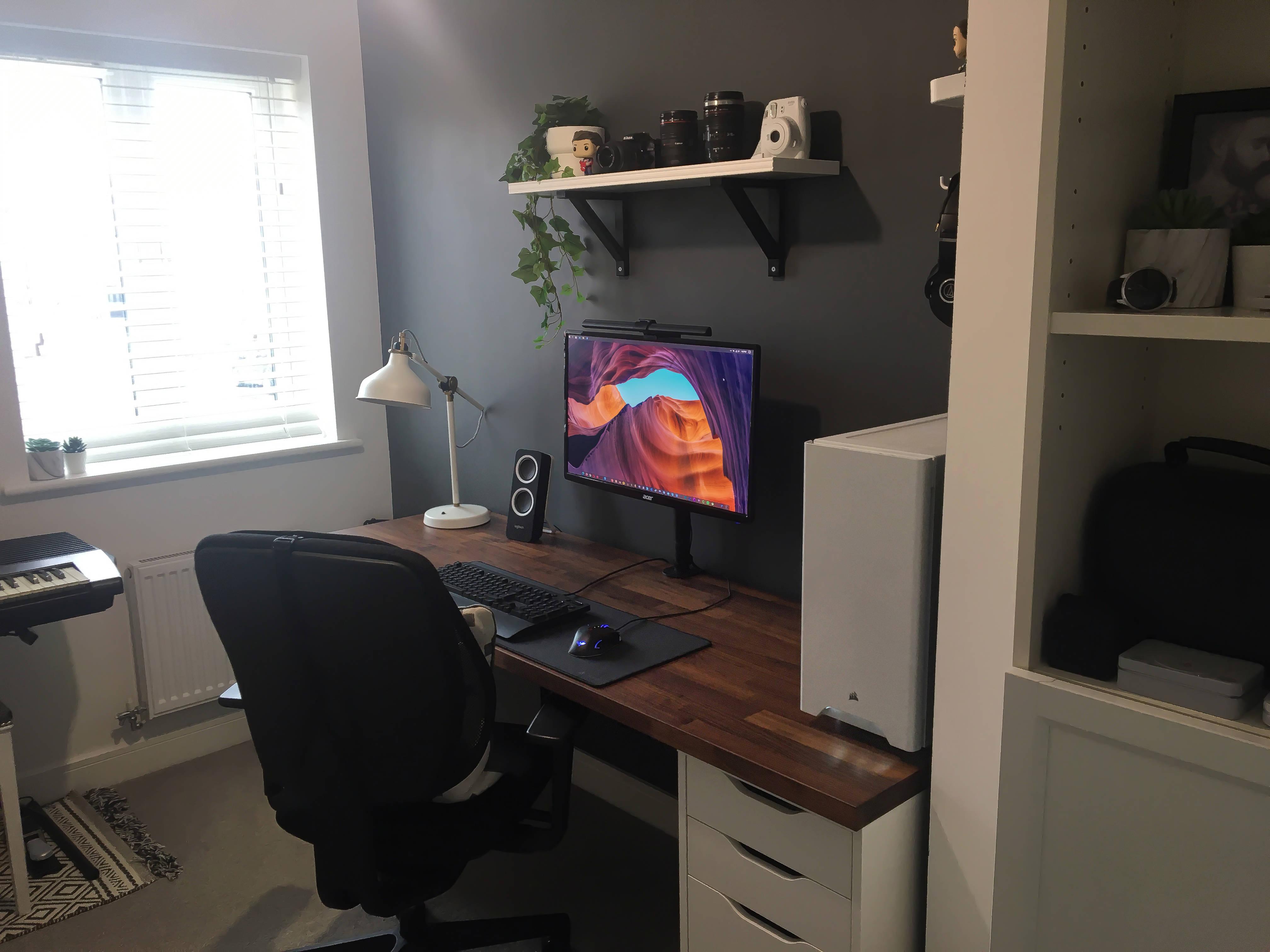 MisterYorkie's Setup - Minimalist Karlby Setup (Updated 2021) | Scooget