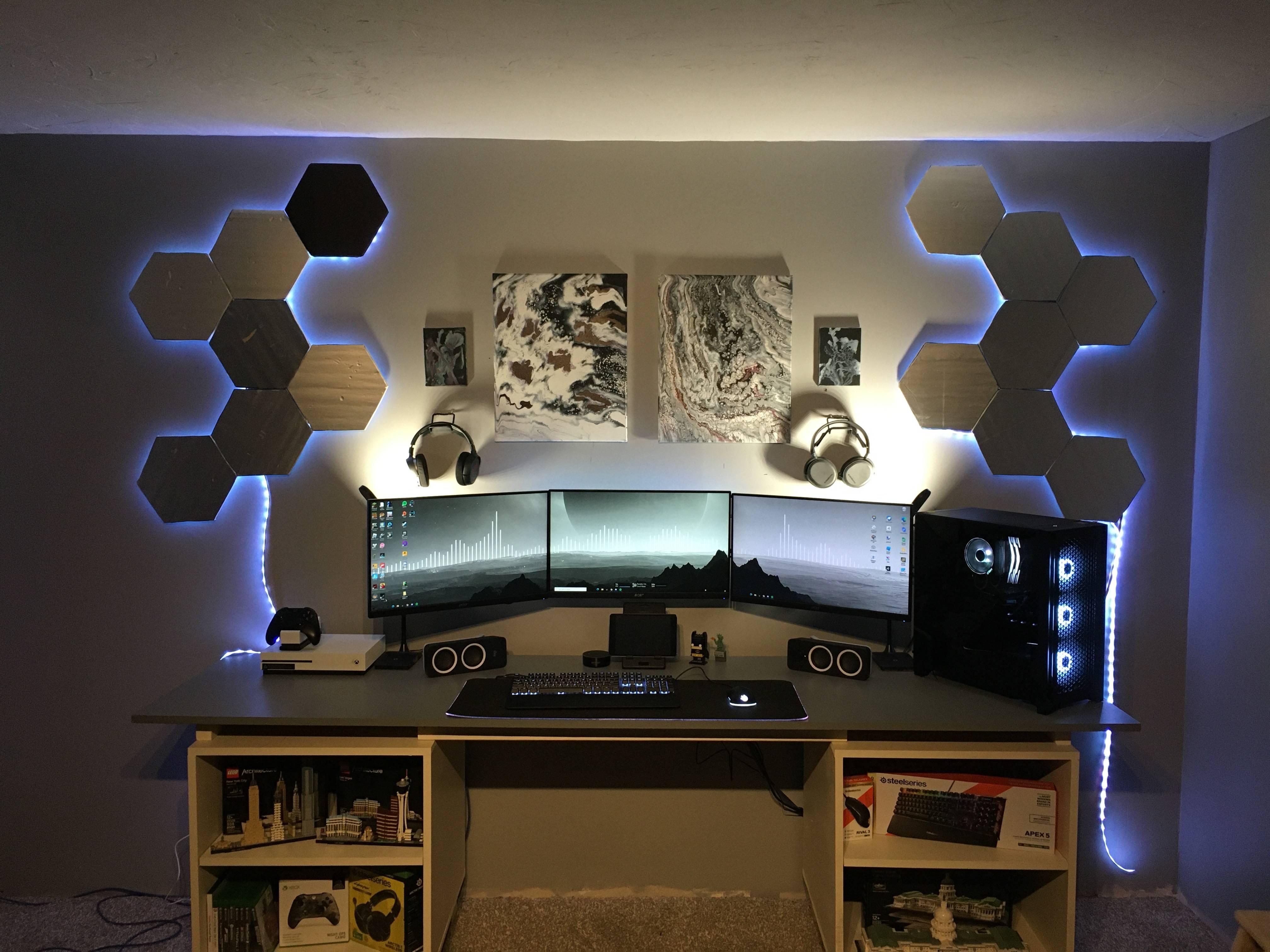 kennethbranowic's Setup - My triple monitor gaming setup   Scooget